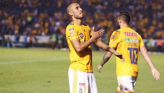 Guido Pizarro festeja gol con Tigres