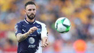 Miguel Layún en el partido contra Tigres