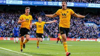 Jiménez celebra un tanto con Wolves en Premier