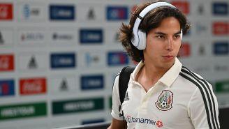 Diego Lainez con la camiseta de la Selección Nacional