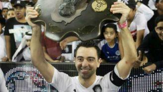 Xavi Hernández celebra tras un partido del Al Saad