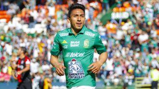 Ángel Mena, durante un juego con León en el C2019