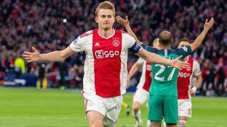 De Ligt celebra una anotación con el Ajax en Champions