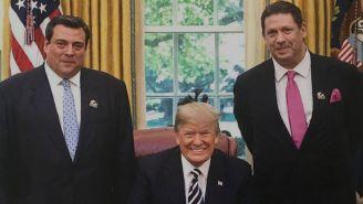 Donald Trump en la firma del perdón a Jack Johnson