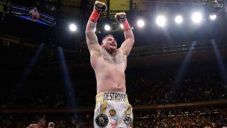 Andy Ruiz festeja tras derrotar a Anthony Joshua
