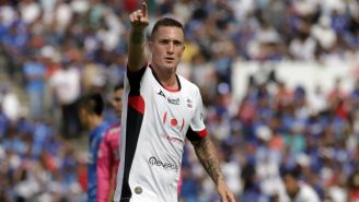 Leonardo Ramos durante un partido contra Cruz Azul