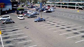 Estacionamiento semivacío
