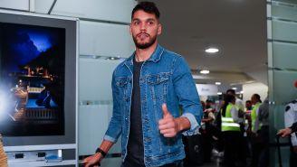 Freire, a su llegada al aeropuerto para reportar con Pumas