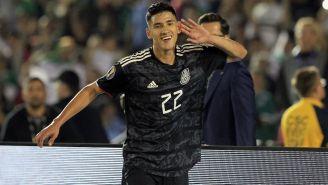 Uriel Antuna celebra un gol ante Cuba