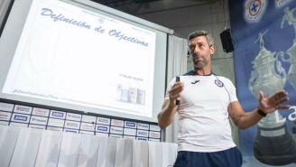 Caixinha presentando su plan de trabajo para el Apertura 2019