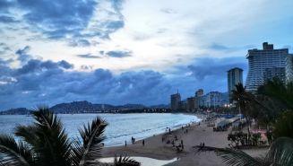Playas de Acapulco, Guerrero no son aptas para el uso recreativo