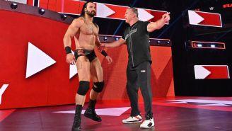 Shane McMahon y Drew McIntyre en la rampa rumbo al ring