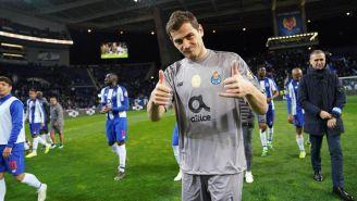 Iker Casillas tras un partido del Porto