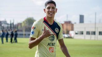 Edson Álvarez en un entrenamiento con América