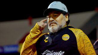 Diego Armando Maradona tras un juego de Dorados