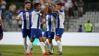 Jesús Corona celebra uno de sus goles en la pretemporada del Porto