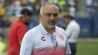 Guillermo Vázquez, en el banquillo de Necaxa