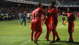 Jugadores del Veracruz celebran anotación contra Pachuca