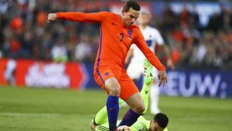 Vincent Janssen durante un partido con al selección de Holanda