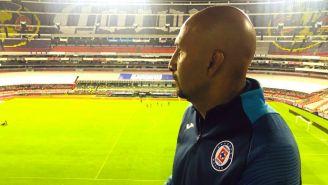 Óscar Pérez tras su despedida en el Estadio Azteca