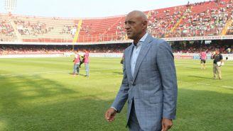 José Luis Sánchez Solá durante un partido de la Liga Mx