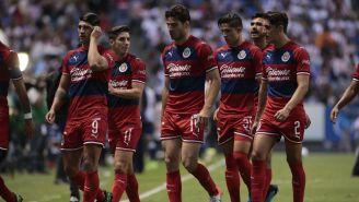 Jugadores de Chivas al final del duelo vs Puebla