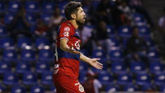 Oribe Peralta en acción como jugador de Chivas