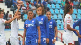 Jugadoras de Cruz Azul en el partido ante Toluca de la J5