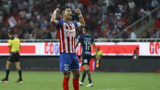 Jesús Molina durante un juego con Chivas