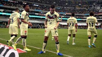 Nicolás Benedetti festeja su gol contra Morelia