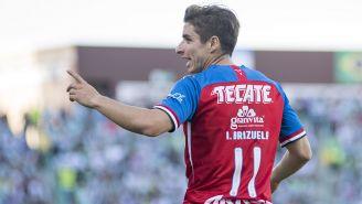 Isaac Brizuela, durante juego de Chivas
