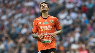 Jonathan Fabbro se lamenta en un partido con Jaguares