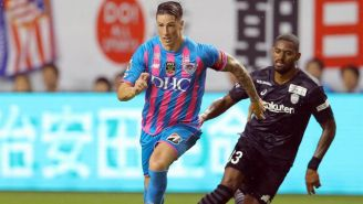 El Niño Torres durante un partido con el Sagan Tosu