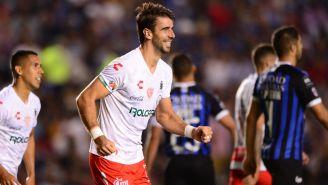 Rodrigo Noya festeja su gol ante Gallos