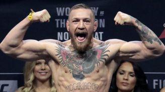 Conor McGregor durante un pesaje previo a una pelea