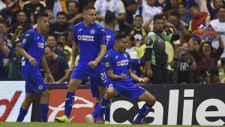 Orbelín Pineda celebra un gol contra América