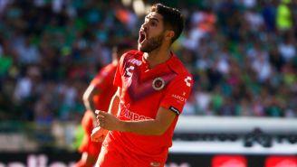 Daniel Villalva festeja su gol ante León