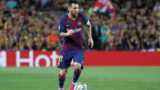 Lionel Messi durante un duelo con el Barcelona
