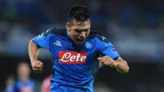 Hirving Lozano festeja gol con Napoli