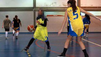 Jugadora musulmana no pudo seguir jugando basquetbol