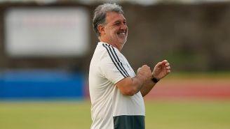 Tata Martino, feliz en un entrenamiento del Tri
