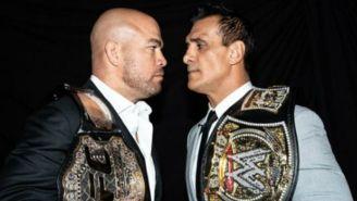 Tito Ortíz y El Patrón cara a cara con sus cinturones