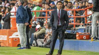 Poncho Sosa sigue de cerca las acciones de un encuentro de Liga