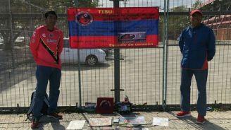 Aficionados de Veracruz afuera del Estadio Pirata Fuente