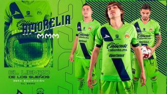 Jugadores de Morelia presumen su tercera elástica