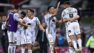 Los jugadores de Atlas festejan un gol