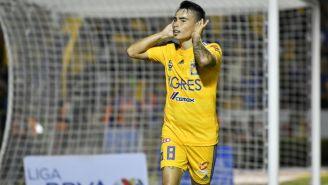 Lucas Zelarayán celebrando una anotación con Tigres