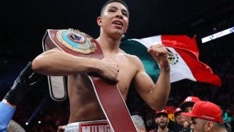 Jaime Munguía en pelea en Monterrey