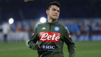 Hirving Lozano durante un entrenamiento con Napoli