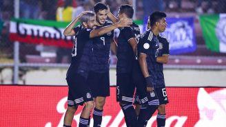 Jugadores de la Selección Mexicana festejan un gol